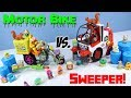 The Grossery Gang Delivery Strike Motor Bike vs Clean Team Street Sweeper Moose