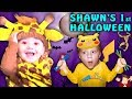 SHAWN'S FIRST HALLOWEEN! Family Costume Vlog 2016